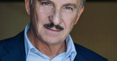 Teatro Diana: in arrivo la nuova commedia di Carlo Buccirosso